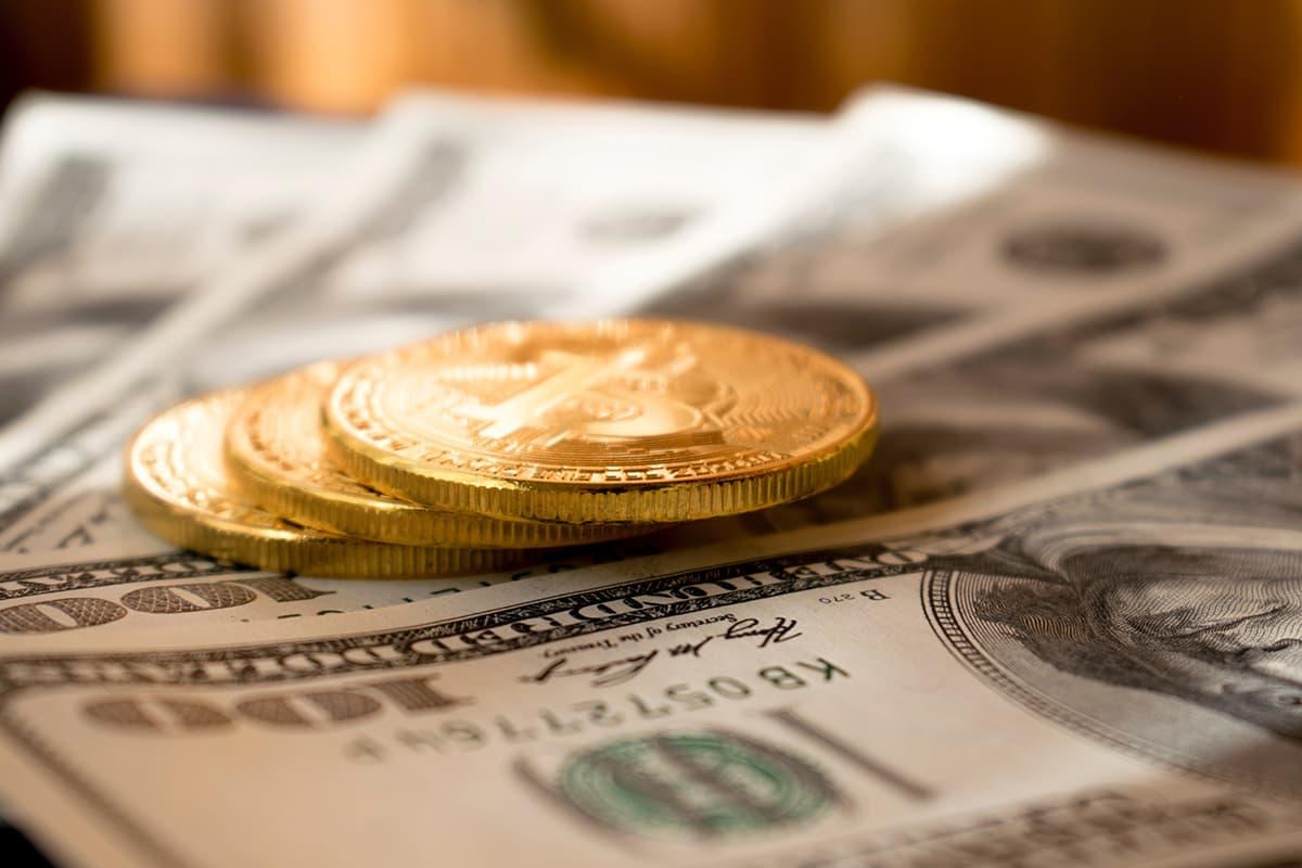 「金だ金だ」と言ってる人の周りからは人は消えていく。