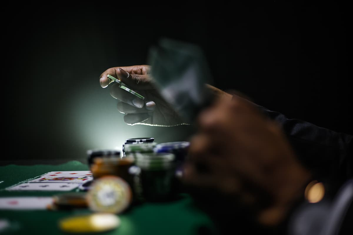 ギャンブル・風俗・タバコなどに使うお金は、なんの生産性もない。